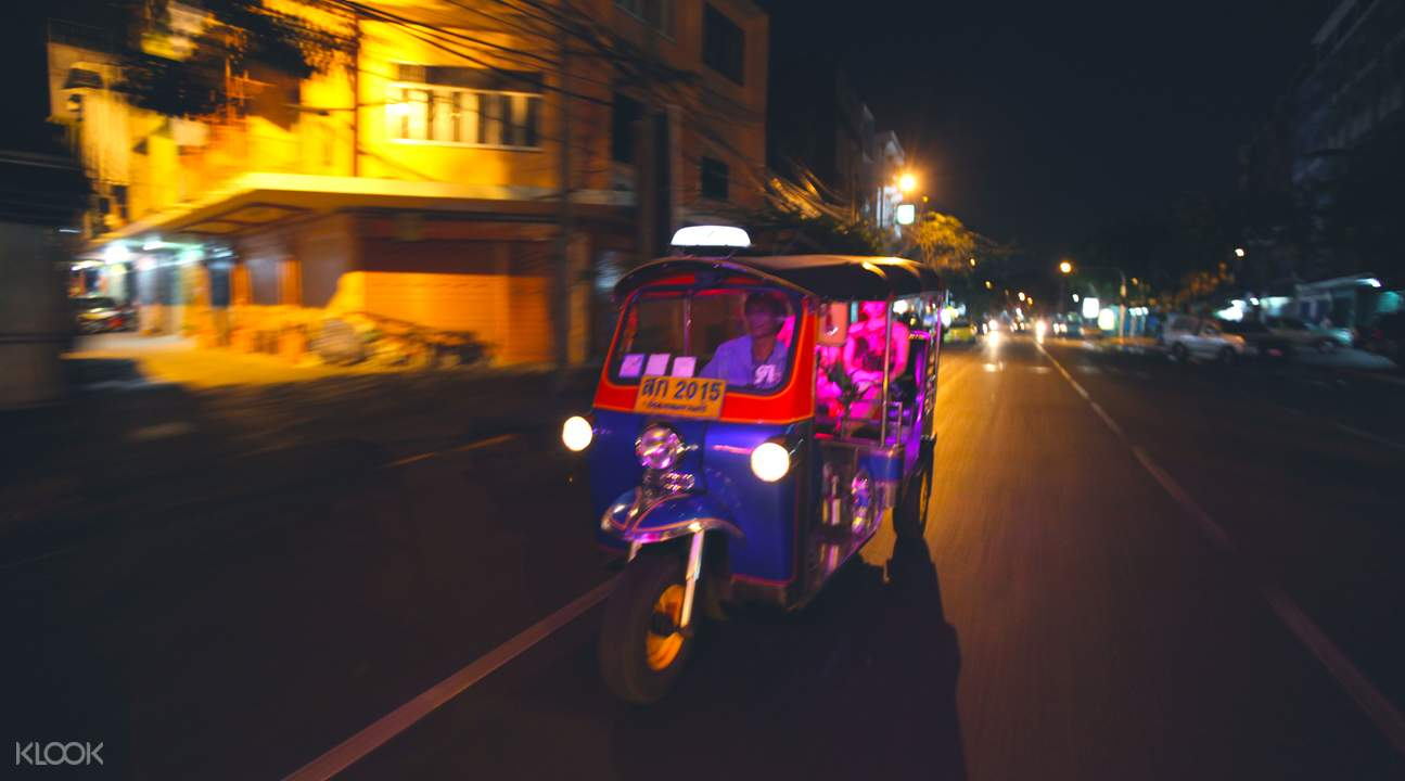 bangkok-itinerary-tuktuk