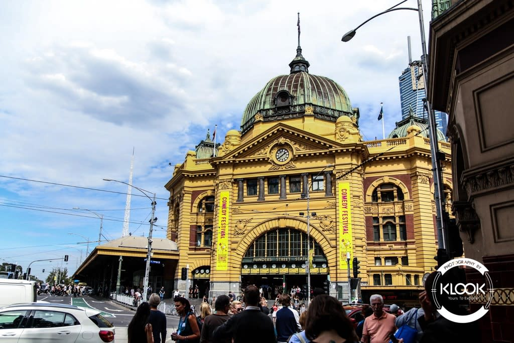 Neon captures Queen Victoria Building in Melbourne, Australia
