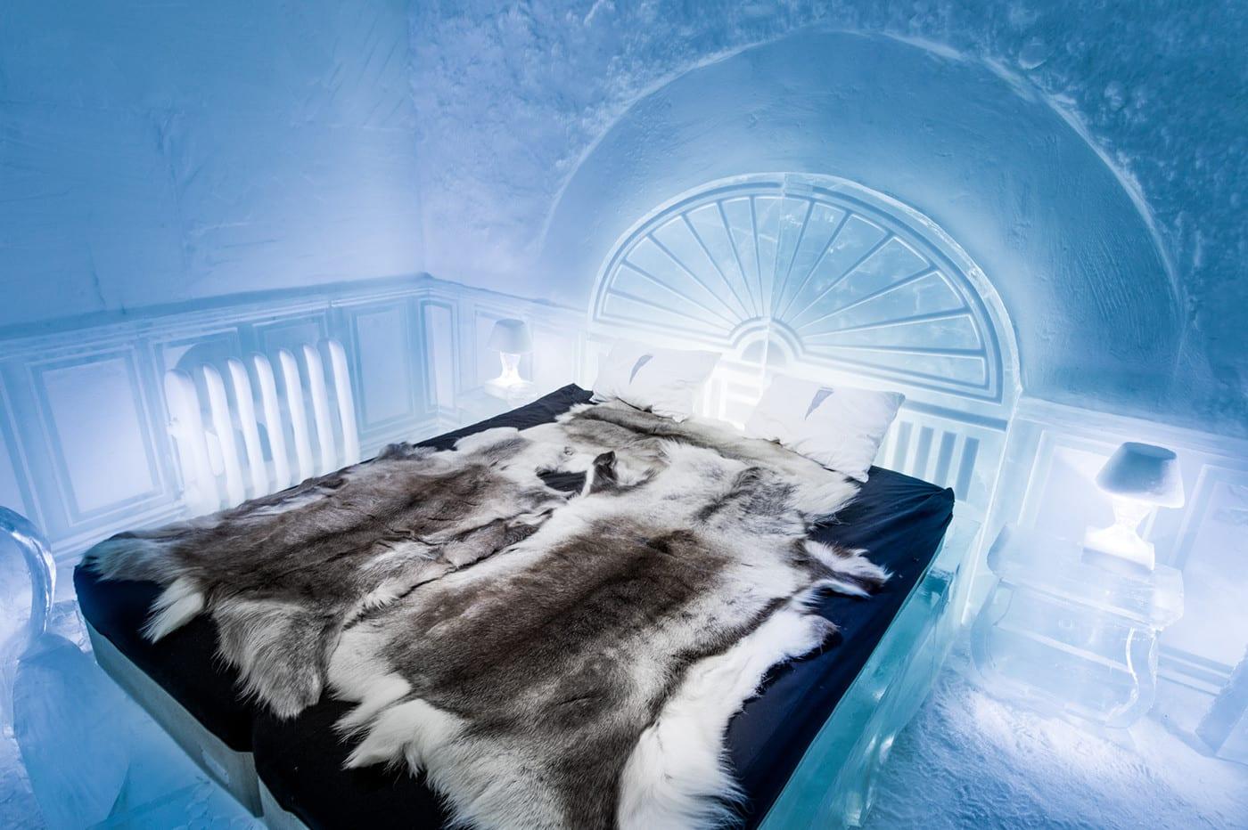 ice-hotel-ice-bed