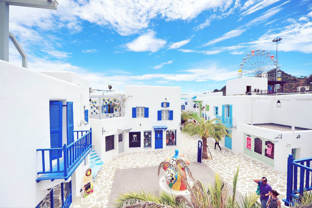 Hua-Hin-Car-Charter-Santorini-Park-Hotel