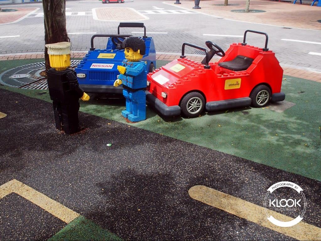 Lego sculptures at Lego City