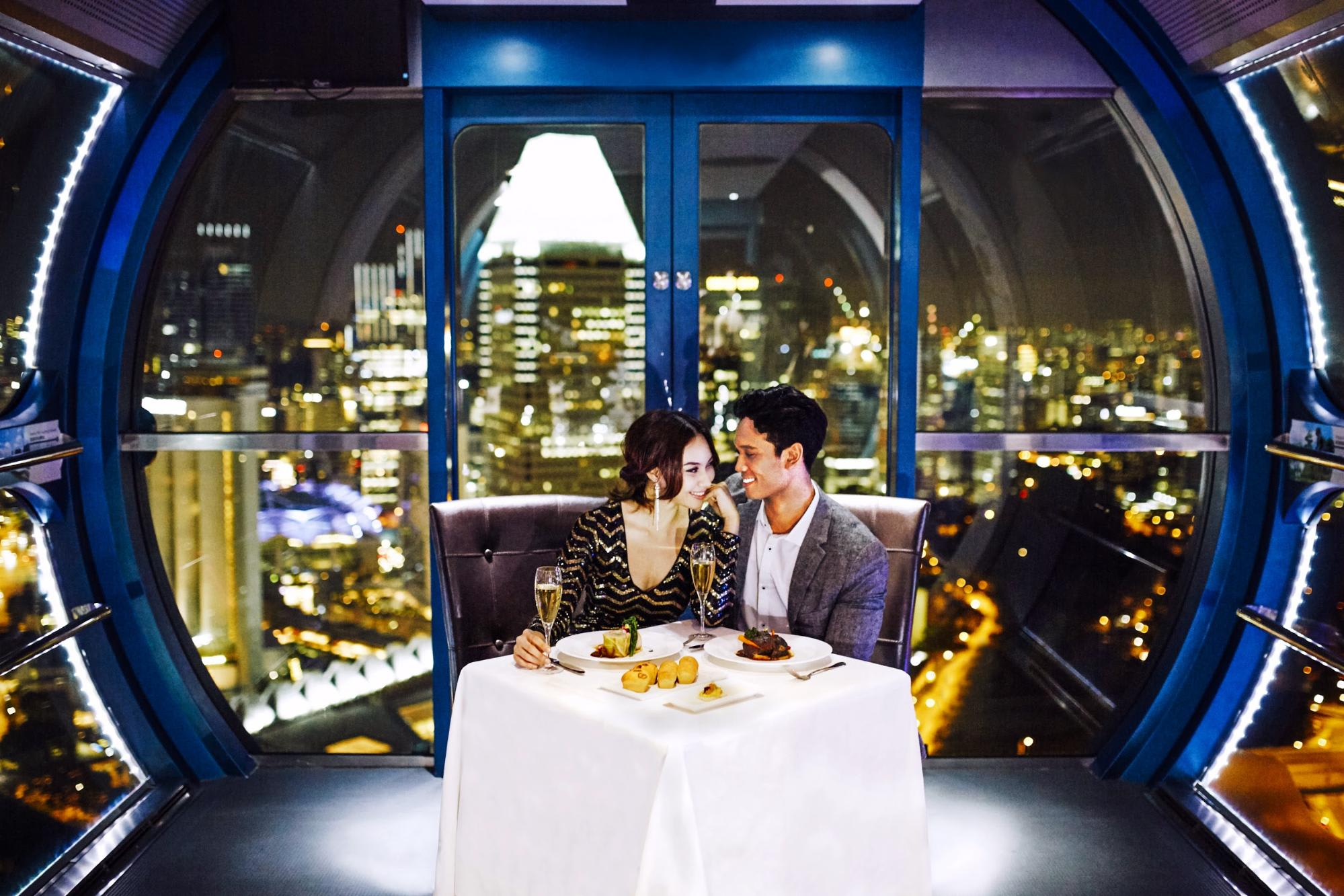 singapore-flyer-sky-dining-romantic-dinner