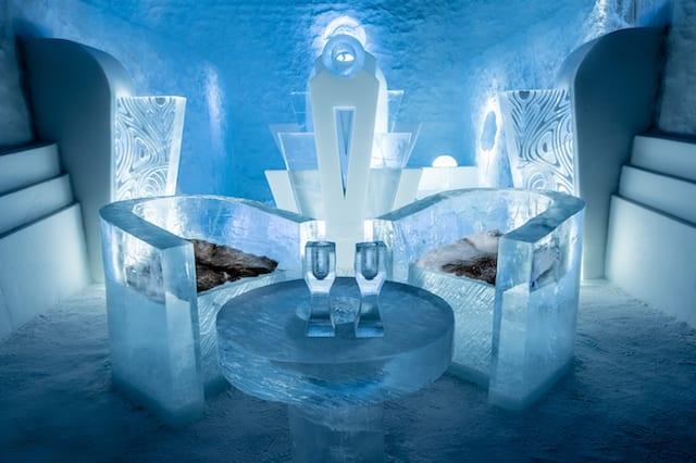 ice-hotel-ice-bar