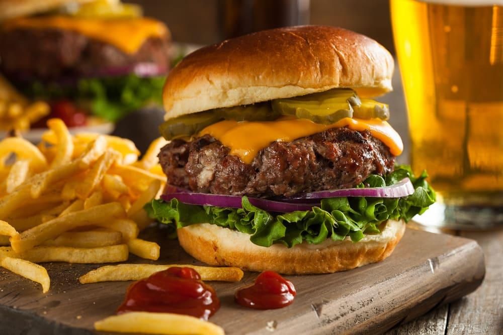 redbeard burgers chengdu, redbeard burgers, best burger in chengdu, best homemade burger chengdu