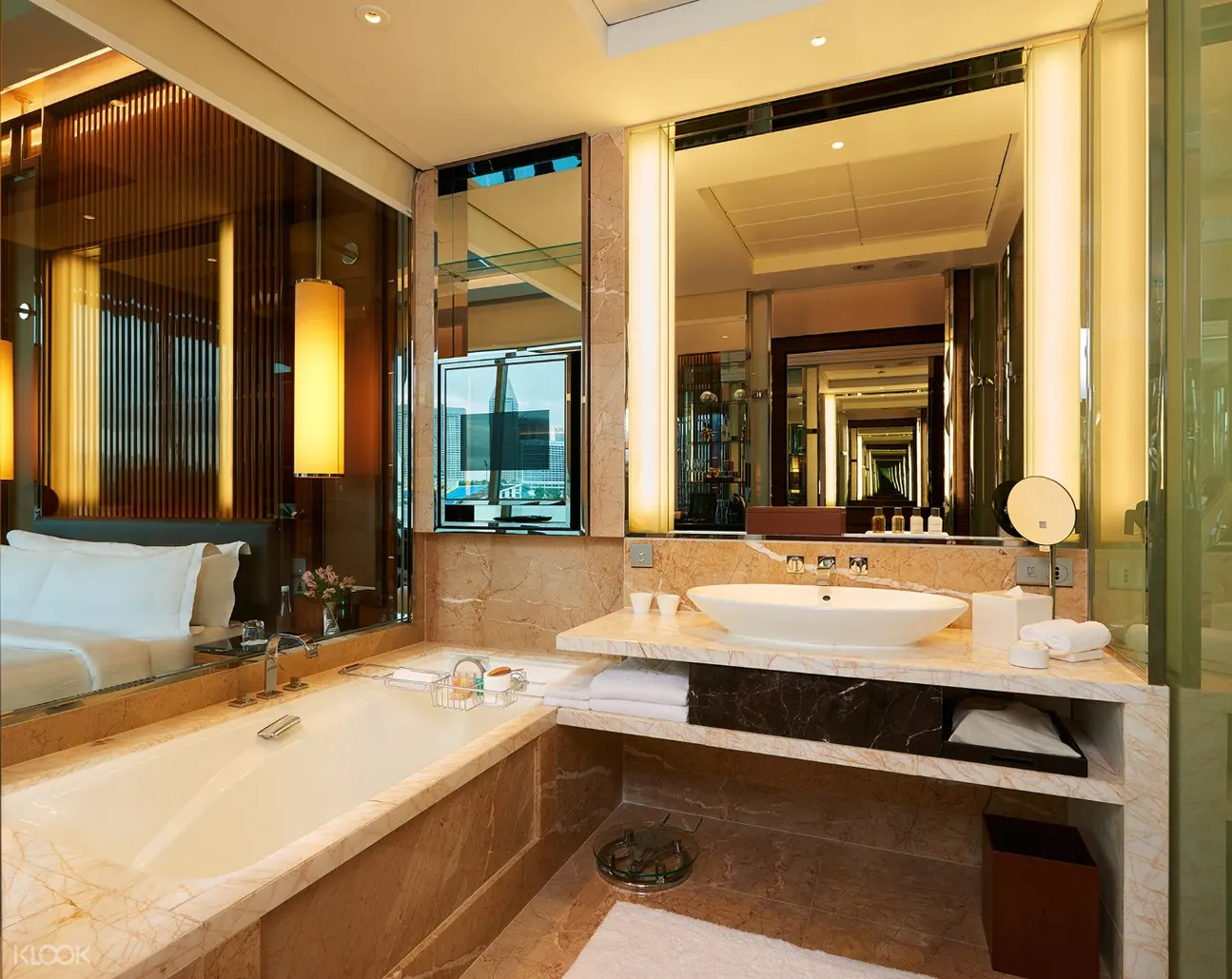 Hotels With Huge Luxurious Bathtubs In Singapore For You ...