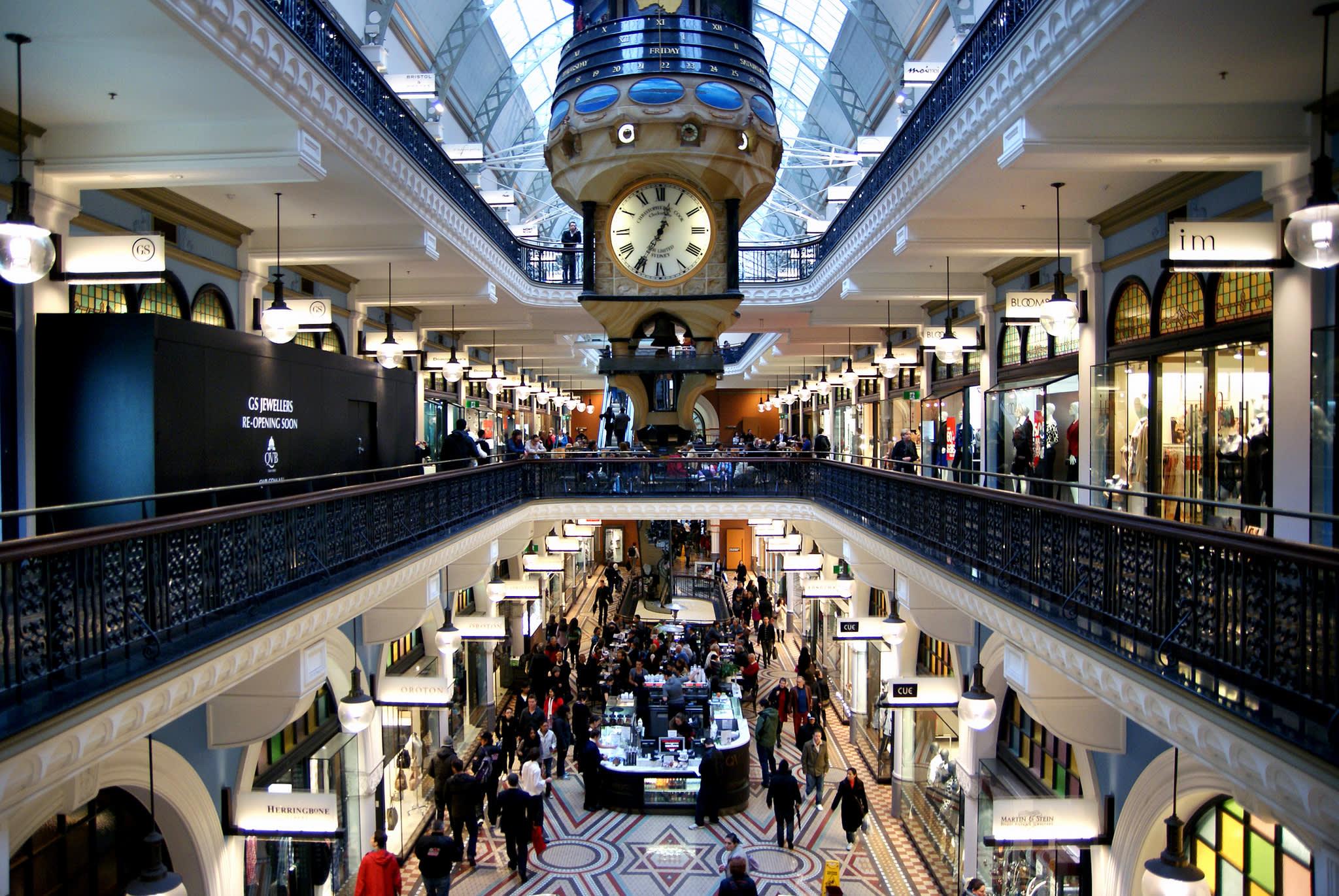 位於中央的「皇家時鐘」,每個整點都會報時,也是具有百年歷史的珍貴文物。(Flickr授權作者-BBernard Spragg.NZ)