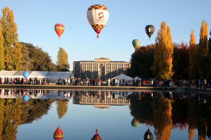 坎培拉著名的熱氣球節(照片來源:澳洲旅遊局官網https://goo.gl/yK6wDs)