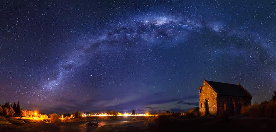 紐 西 蘭 南 北 島 紐 西 蘭 光 害 極 少 , 可 以 看 到 美 麗 的 銀 河 及 日 出 !