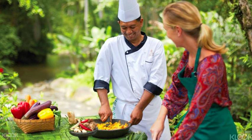 深入烏布 峇 里 島 美 食 與 精 神 療 養 課 程