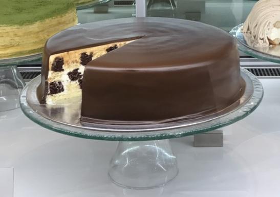 香草巧克力棋格蛋糕 單片NT$260 九吋NT$2600