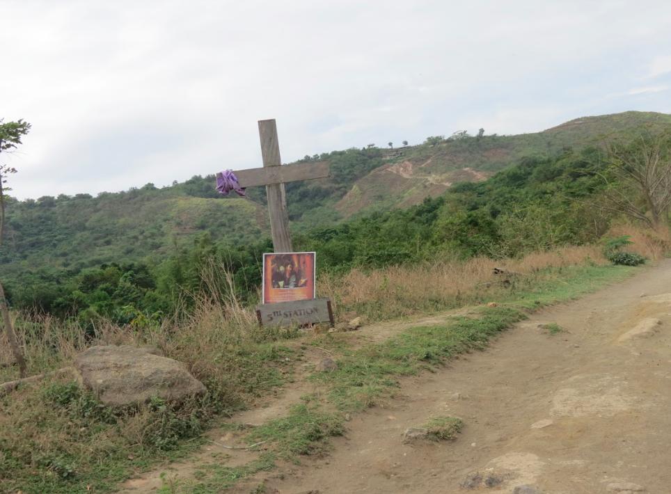 沿途看到的十字架,馬夫說是為了記錄公里數。