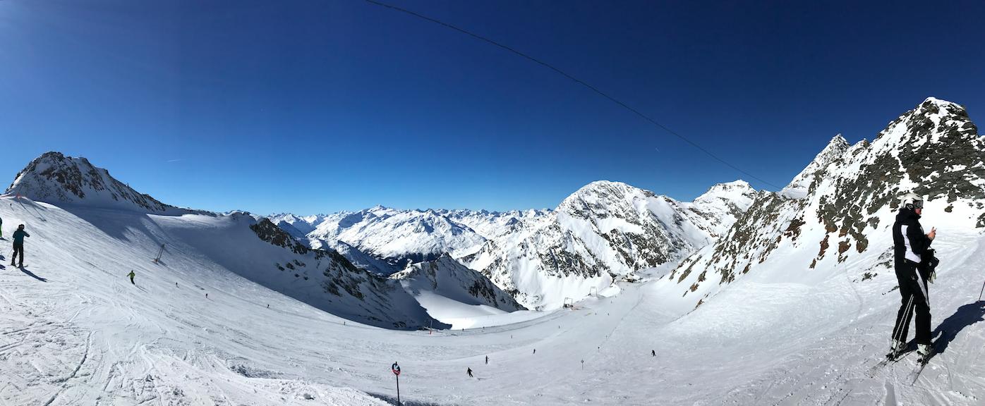 Innsbruck—Stubaier Gletscher by 倍包客