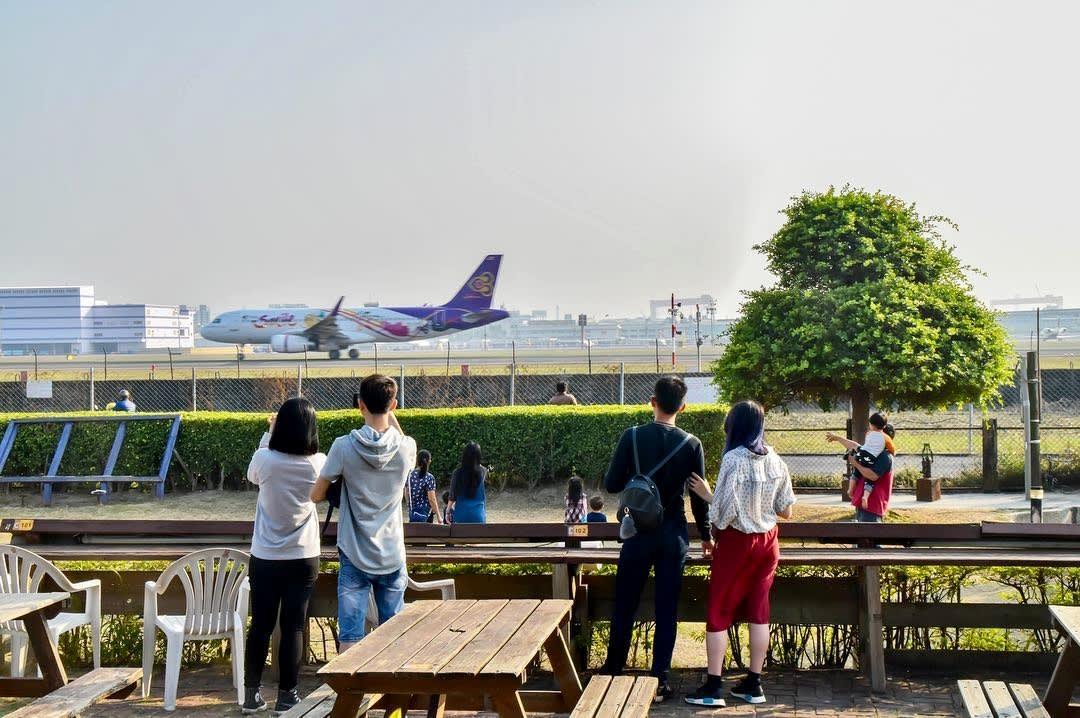 近距離觀賞飛機起降。(圖片來源/Instagram-rsubomi)