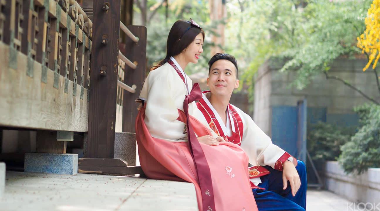韓 服 租 賃 , 提 供 成 人 兒 童 各 型 號 傳 統 服 裝 以 及 配 飾 , 在 首 爾 大 街 小 巷 盡 情 拍 照