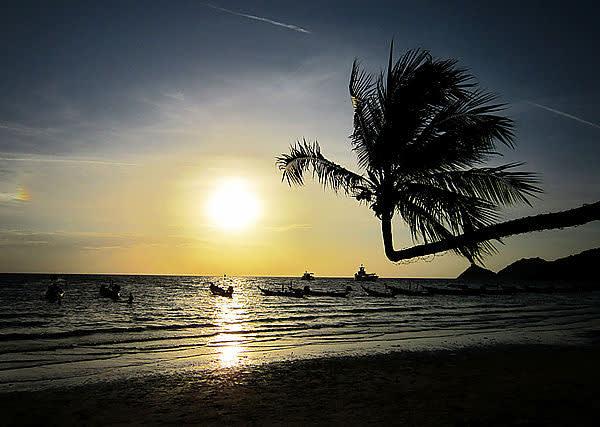 龜 島 夕 陽