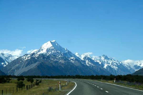 庫 克 山 (Mt Cook)。