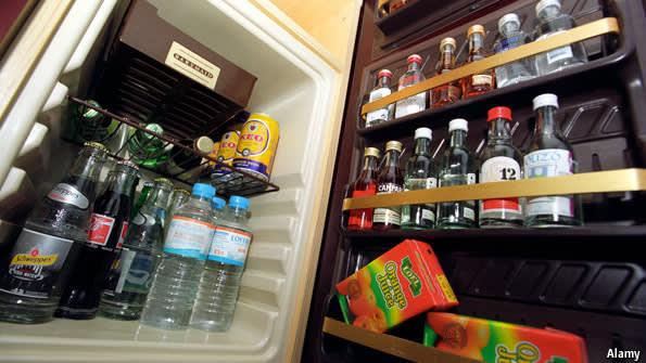 冰 箱 內 礦 泉 水 是 要 收 錢 的 唷 !