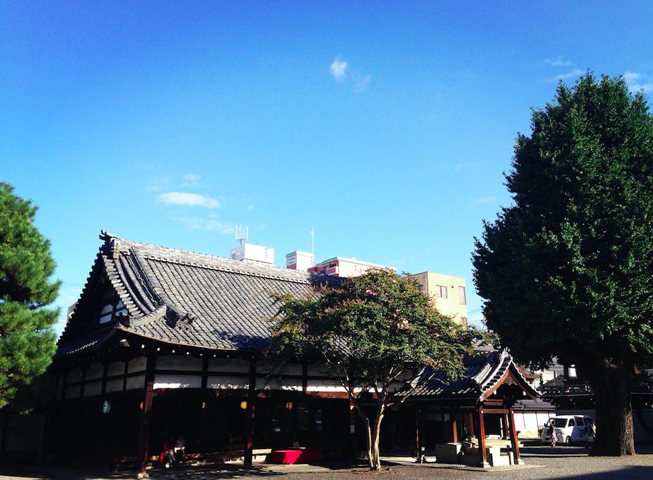 由佛光寺的御茶所改造而成的dd食堂,交通十分方便|圖片來源:吳胖達
