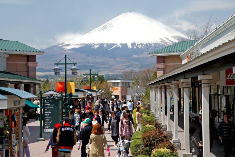 可遠眺富士山的Premium Outlets。(照片來源:japanshopping.org)