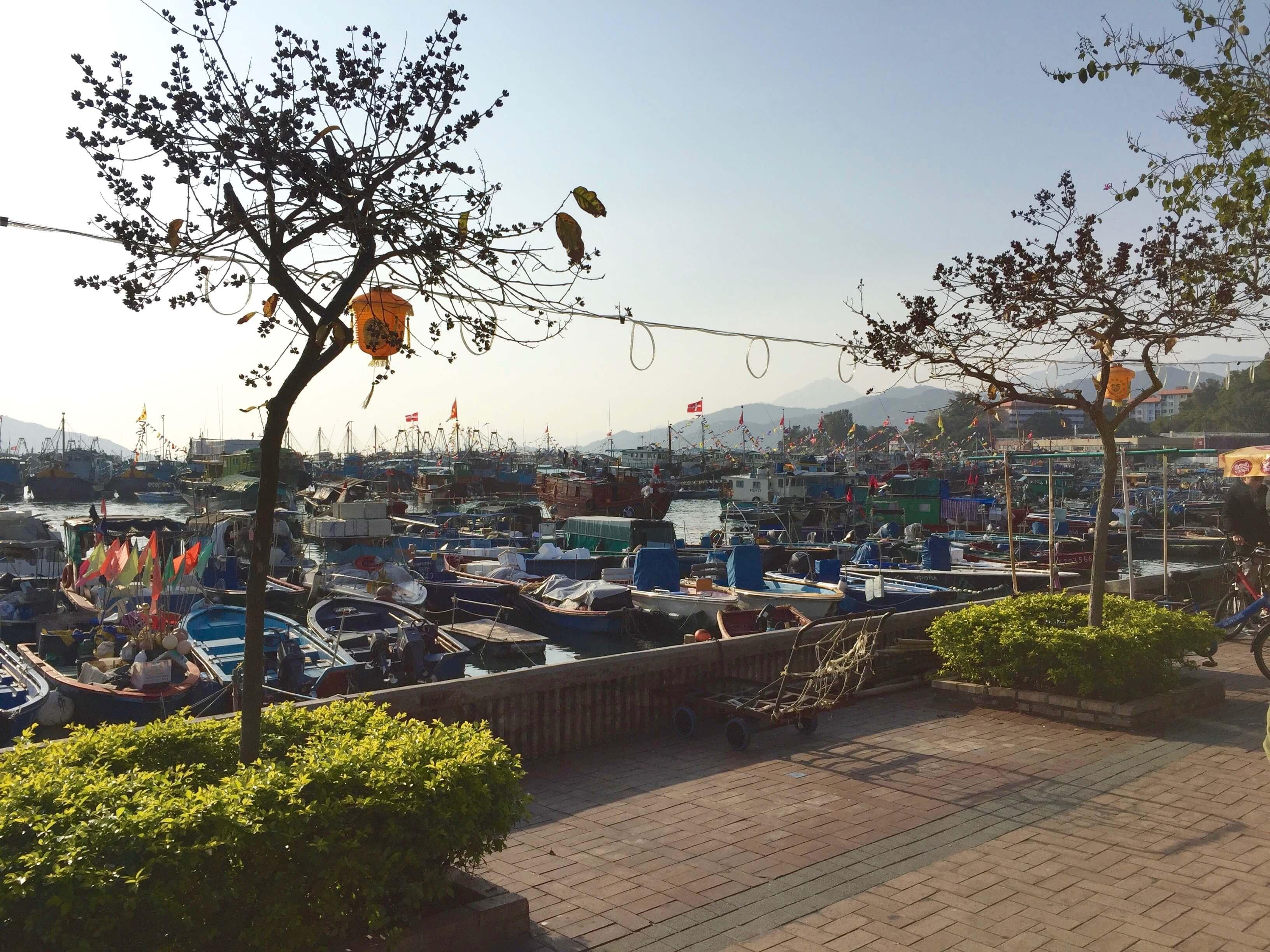猶 如 來 到 了 台 灣 的 小 漁 村 , 樸 實 、 靜 謐 、 悠 閒 。