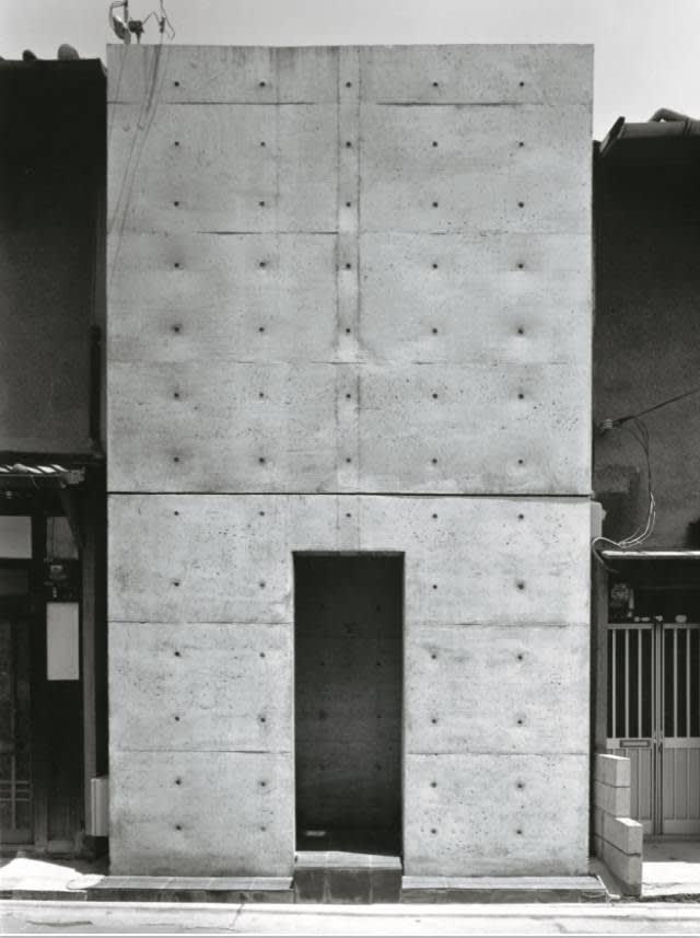 住 吉 的 長 屋 1 9 7 6 年 , 大 阪   拍 攝 : Shinkenchikusha