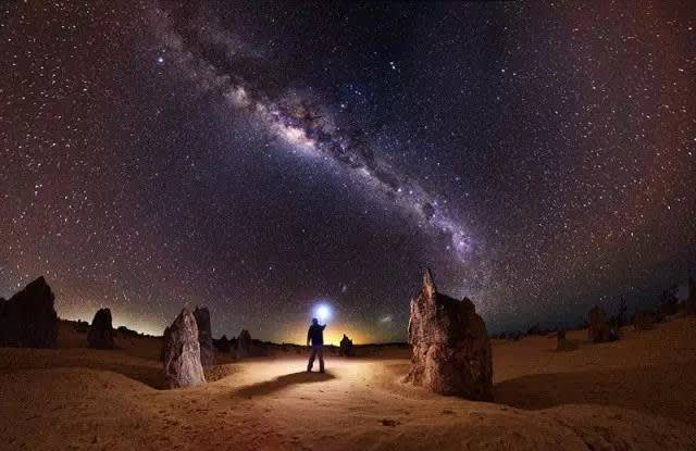 澳 洲 攝 影 師 所 拍 攝 的 星 空 。