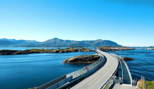 全 世 界 最 美 也 最 危 險 的 公 路