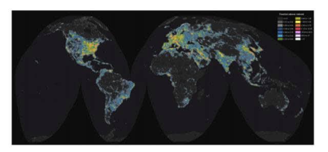 全 球 光 污 染 地 圖 。