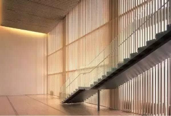 三得利美術館。