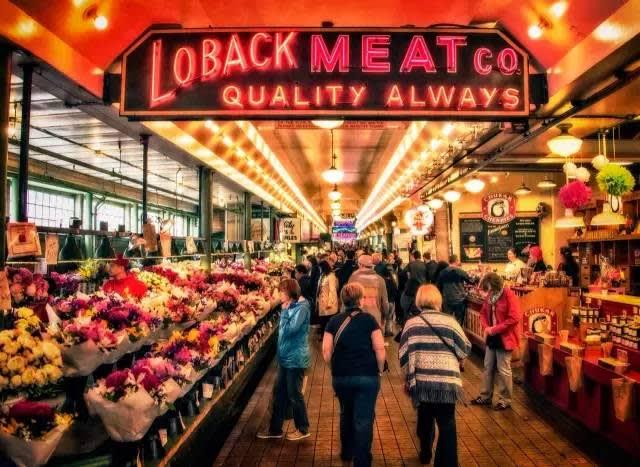 西 雅 圖 派 克 市 場 。