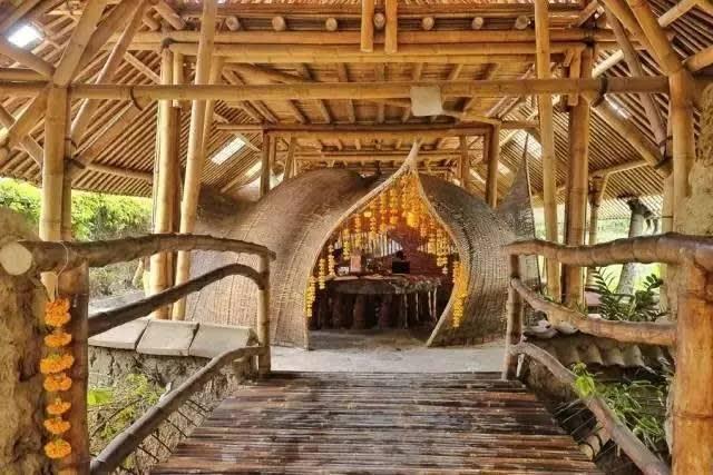 Bambu Indah Hotel。