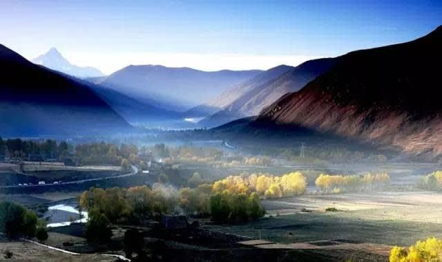 然 烏 是 整 個 川 藏 線 最 美 麗 的 路 段 。