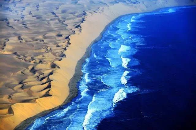 納 米 比 亞 骷 髏 海 岸 。