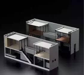 住 吉 長 屋 的 模 型 。