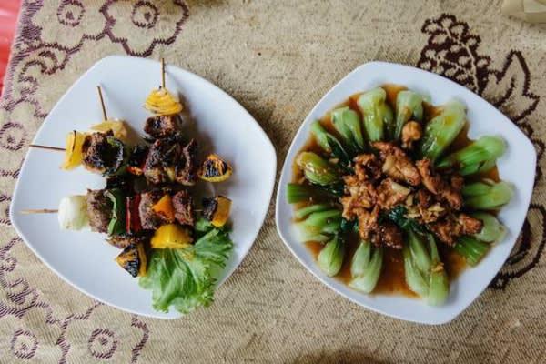 傳 統 高 棉 美 食 。
