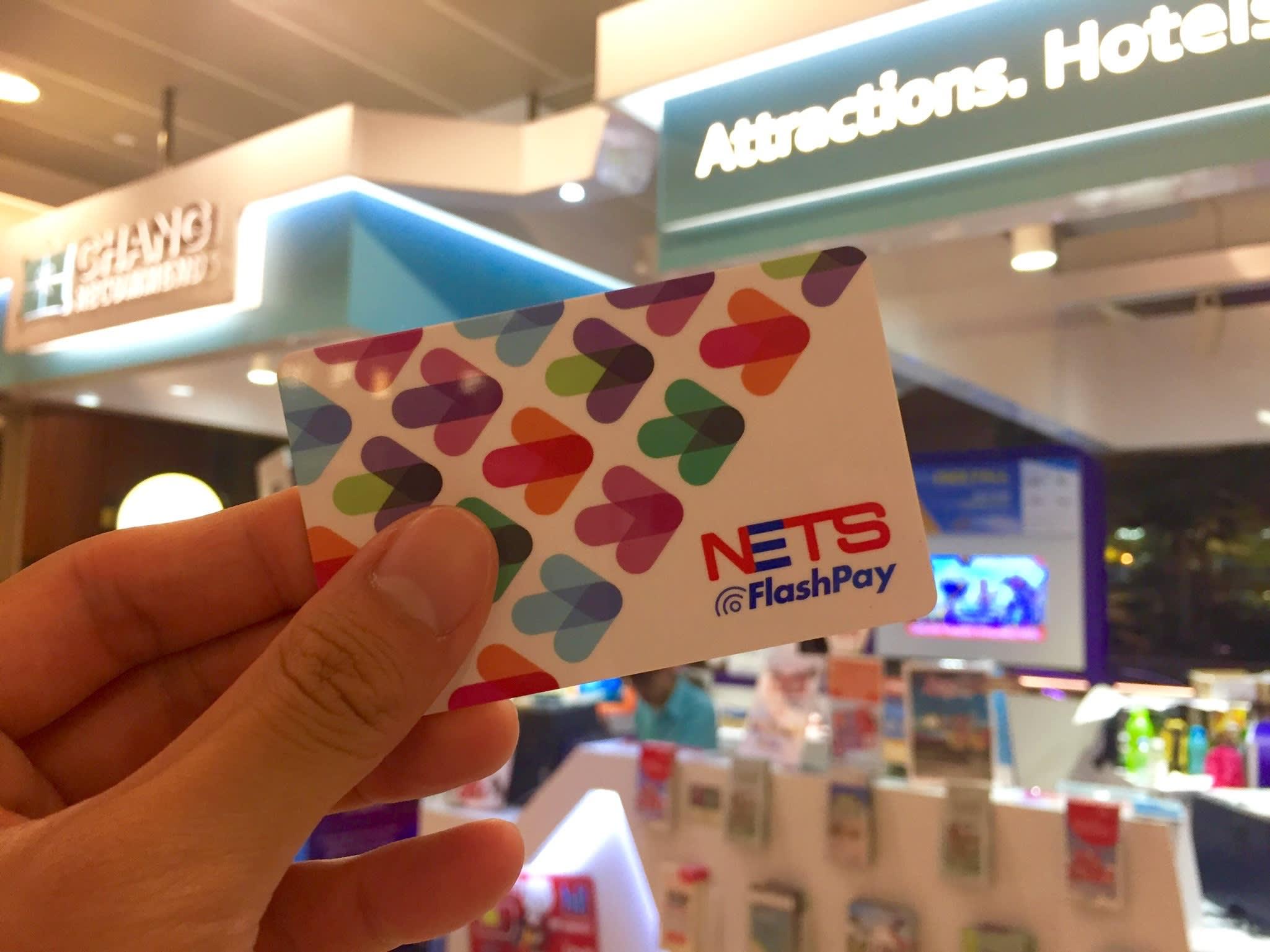 FlashPay 新 加 坡 悠 遊 卡 。