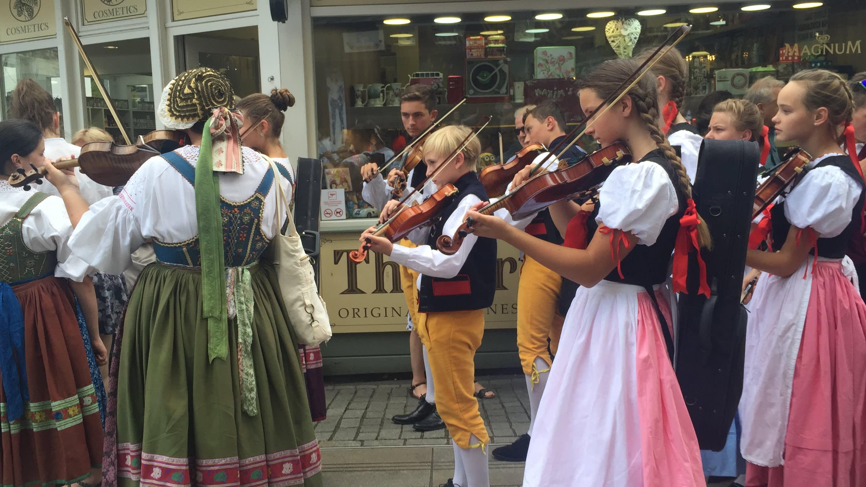 KV Folklore Festival 藝術慶典,每年9月份於KV小鎮舉行。Photographer | Serina Su