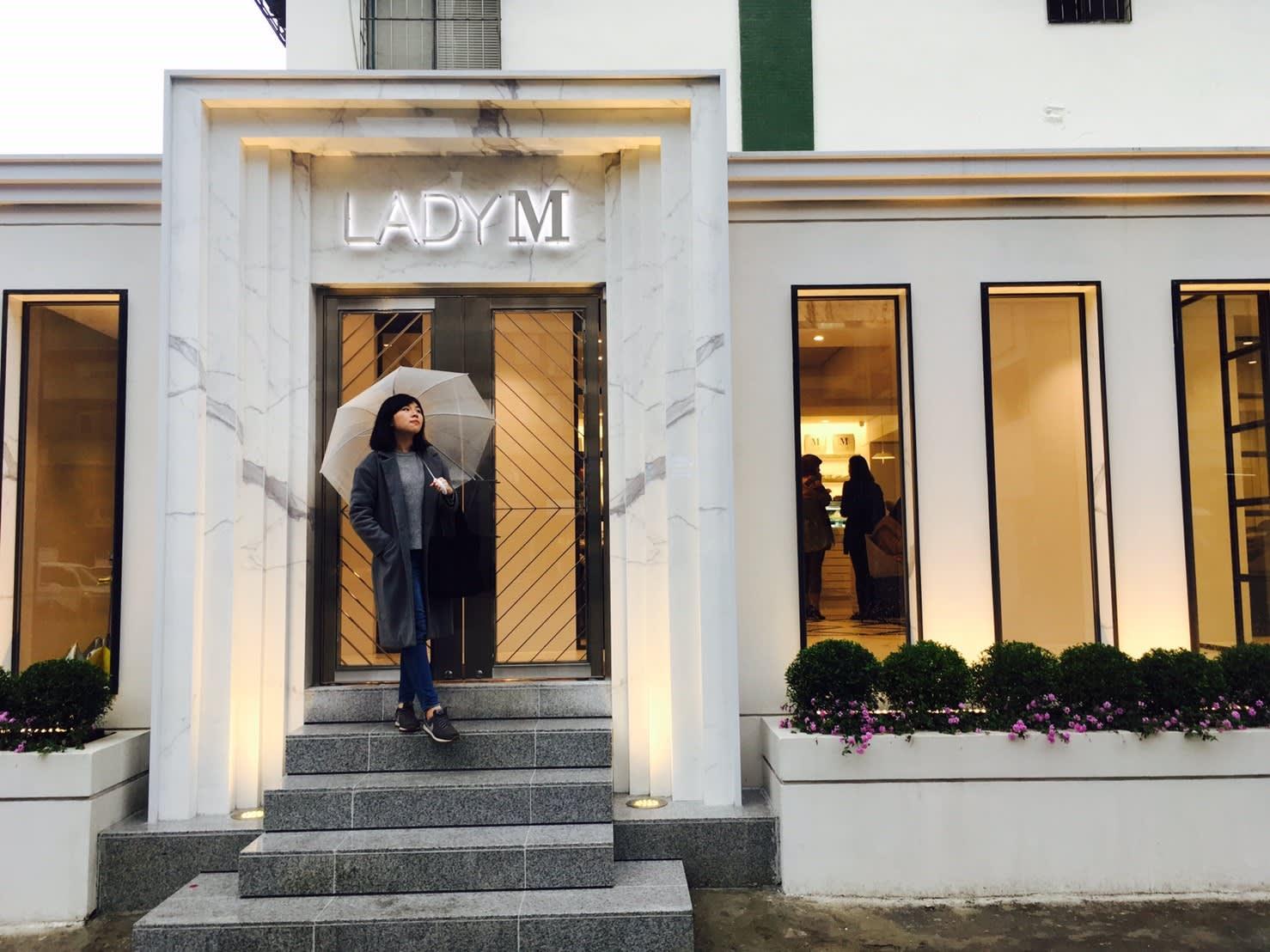 甜點店Lady M 小編已可以預測到這扇門將成為2017打卡新地標!