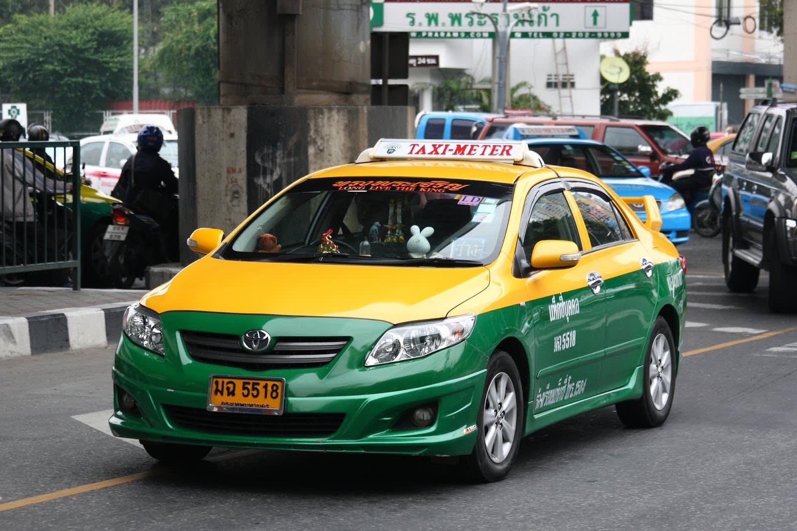 曼 谷 By Meter 計 程 車 。