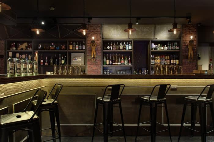 推薦台北Gay Bar 來 Abrazo 享 受 陌 生 的 熱 情 擁 抱 吧