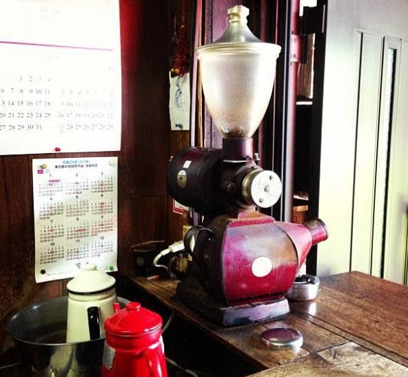 6 0 年 歷 史 的 磨 豆 機 。