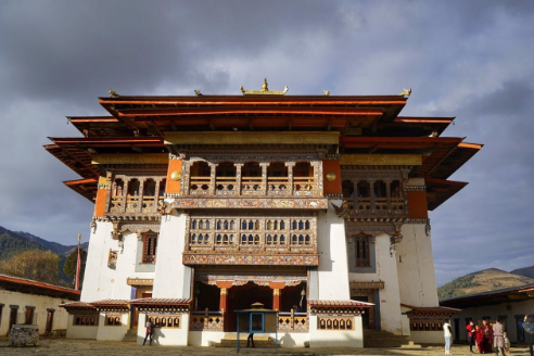 全 球 幸 福 指 數 最 高 的 國 家 : 不 丹 。