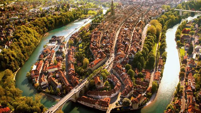 河 流 內 的 舊 城 區 為 世 界 文 化 遺 產( 圖 片 來 源 : goo.gl/giSrvK )