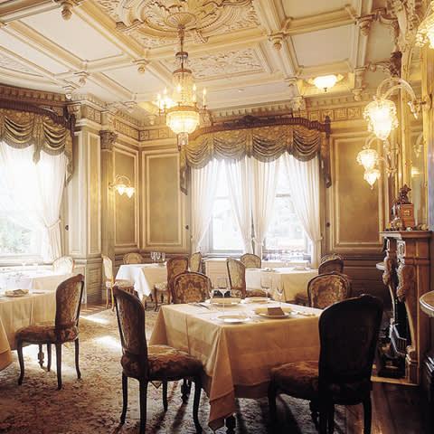 充 滿 凡 爾 賽 風 格 的 長 樂 館 。