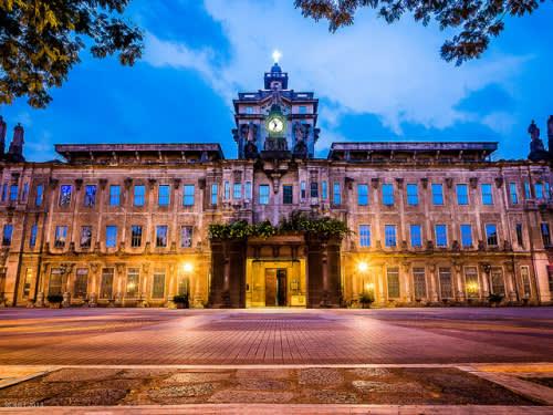 馬 尼 拉 越 夜 越 美 麗( 圖 片 來 源 : goo.gl/6F7Usd )