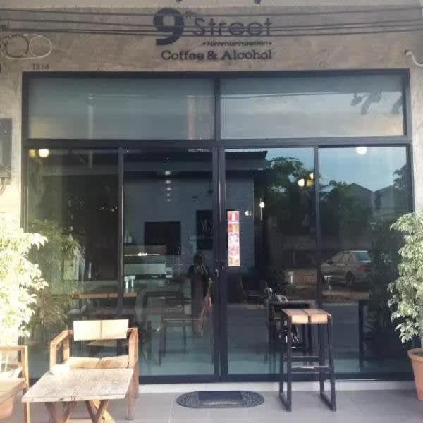 9th Street Cafe。