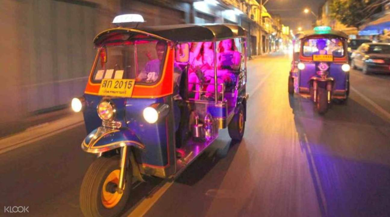 how-to-save-$100-on-your-year-end-holiday-to-Thailand-tuk-tuk-night-tour-bangkok