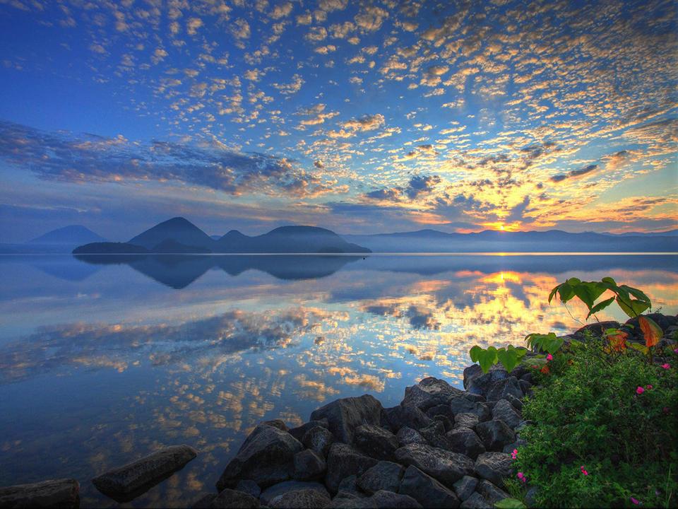 How-To-Use-Your-Japan-Rail-Pass-Hokkaido-lake-toya