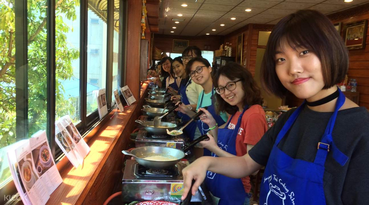 sompong thai cooking class bangkok