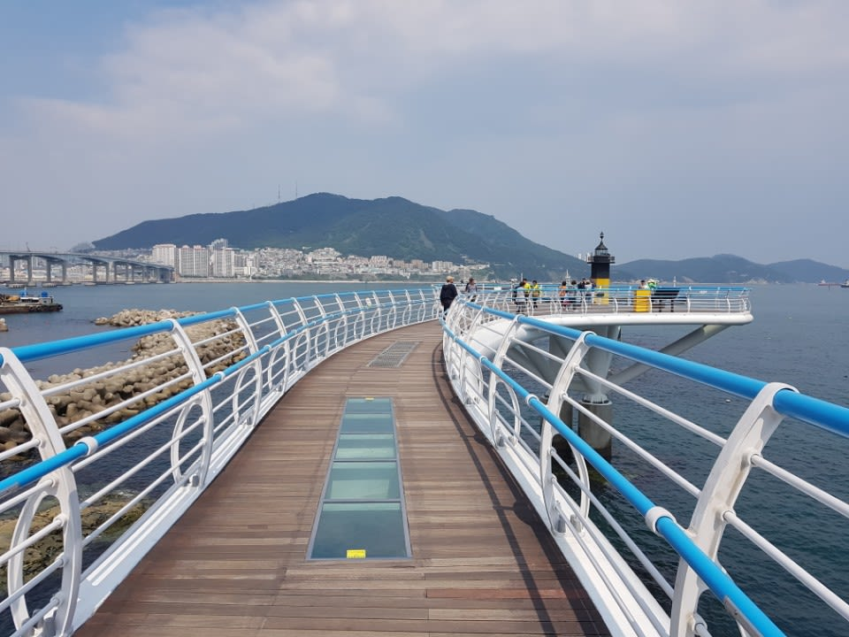 How-To-Make-The-Most-Out-Of-Your-Trip-To-South-Korea-songdo-skywalk